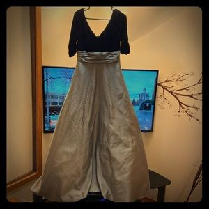 Alfred Angelo Women's size 10 bridesmaid dress